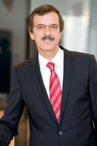 Wolfgang Pribyl schlägt aufgrund seiner Erfahrung die er unter anderem bei Unternehmen wie Siemens Halbleiter (heute Infineon) und der austriamicrosystems AG gesammelt hat, sowie seiner Tätigkeit an der TU-Graz am Institut für Elektronik eine Brücke zwischen Wissenschaft und Wirtschaft. Diese Kenntnisse setzt er nun an der Spitze der JOANNEUM RESEARCH Forschungsgesellschaft mbH, als Geschäftsführer der größten außeruniversitären Forschungseinrichtung der Steiermark ein.