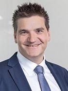 SIGNON Österreich steht für Software-Entwicklung und -beratung im Bereich unternehmenskritischer Systeme, gepaart mit hoher Technikaffinität. Wir begleiten unsere Kunden über die gesamte IT-Wertschöpfungskette in allen Zyklen – von der Erfassung und Bewertung des Ist-Zustandes bis zur Betriebsführung und Dokumentation. Als eigenständiges Unternehmen im Verbund der TÜV SÜD AG betreuen wir Projekte in allen Größen für internationale Unter- nehmen wie für Klein- und Mittel- betriebe. Unsere Unternehmenskultur ist geprägt von Kompetenz, Innovation und Respekt. Nach innen und außen.